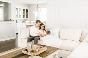Dallas Lifestyle Newborn Session I Family in Living Room